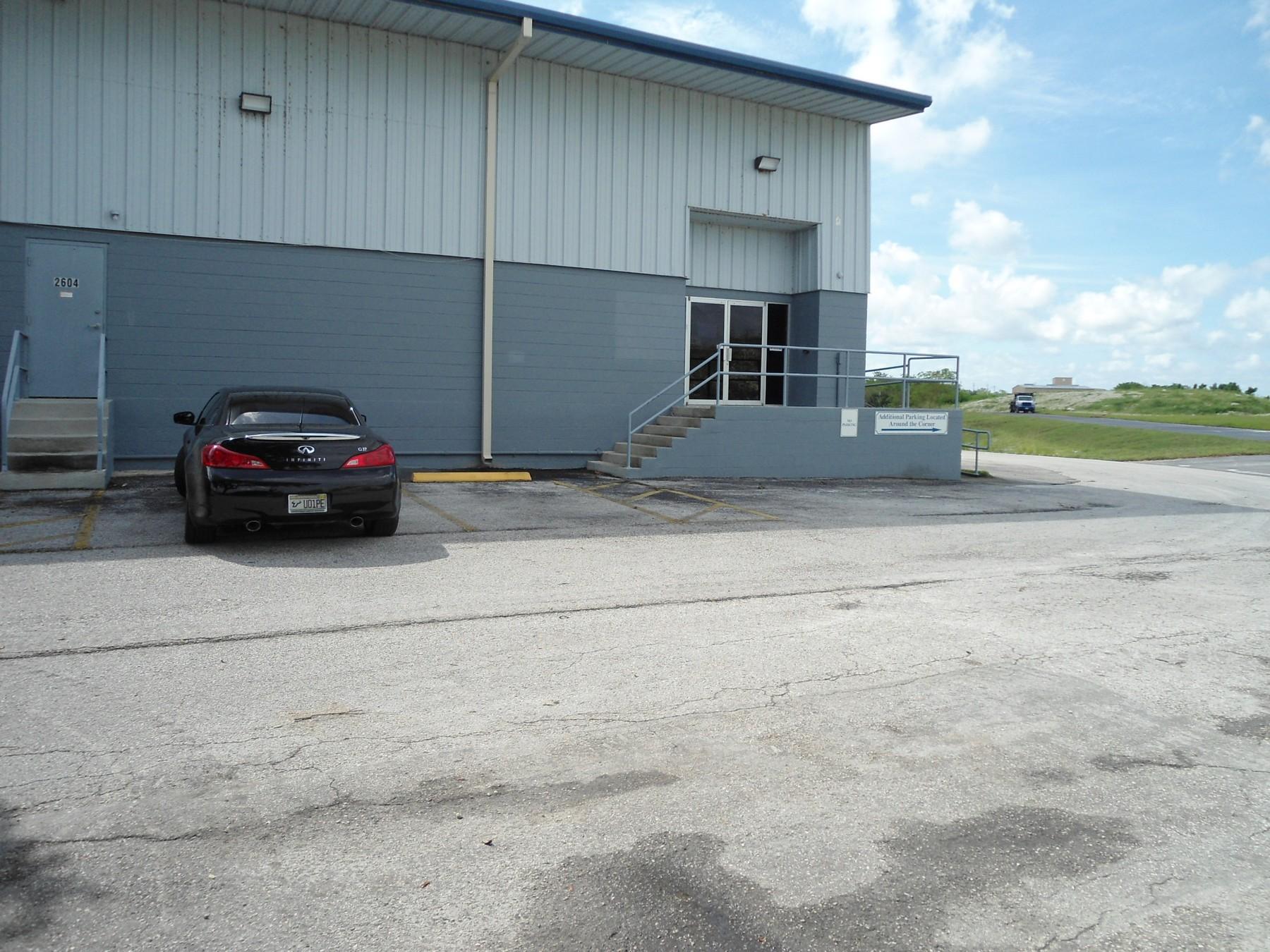 2604 Tampa East Blvd. Unit C, Tampa FL 33619