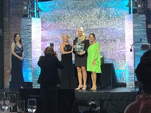 Erika Zipfel Matscherz with CREW President's Award